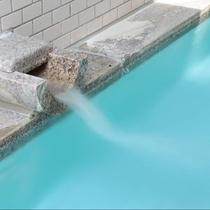 当館の温泉は源泉かけ流し100%で、いつご入浴されても新鮮なお湯でございます。