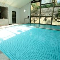 殿湯:菊池グランドホテルの温泉は源泉46.7℃の「沸かさず・薄めず・循環せず」の掛け流し温泉です。