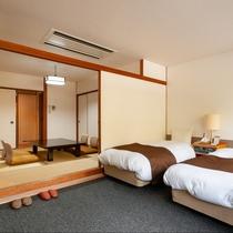 西館和洋室【バス・トイレ付】人数に応じて、ベッド2台と和室にお布団をご用意できます。