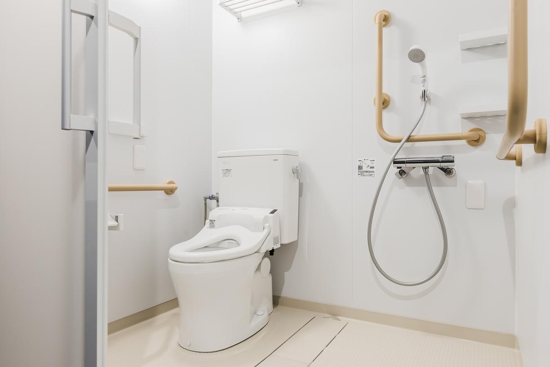 デラックスファミリールーム(バリアフリー対応トイレ・シャワー)