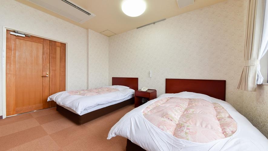 *【洋室ツイン】カップルやご夫婦に◎ゆったりベッドでくつろげる洋室もございます。