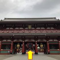 【銀座線:⑦】 浅草寺入り口を直進します。
