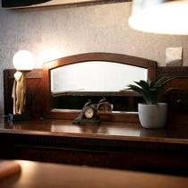 ■御宿 田 離宮 / 重厚な空間のフロント■