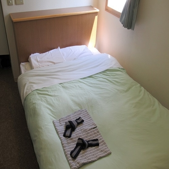 ■喫煙■ダブル【14平米・140センチ幅ベッド】