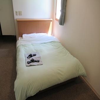 ■喫煙■セミダブル【122センチ幅ベッド】