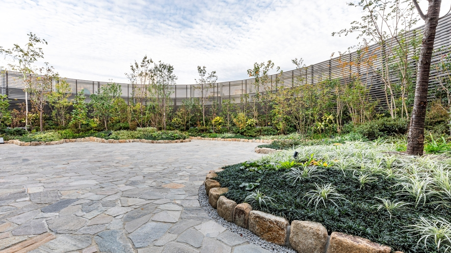 【9階】日本庭園(昼イメージ)