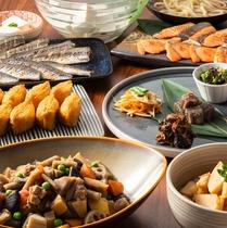 【朝食一例】いなり寿司やきつねうどん、筑前煮などの和食も充実。