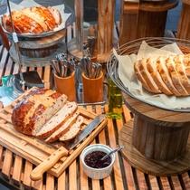 【Organic】こんがり焼きたてのパンをご用意♪美味しく召し上がれ~