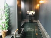 中伊豆からの天然温泉を提供しております。男子風呂 外湯