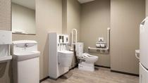 2階 多機能トイレ