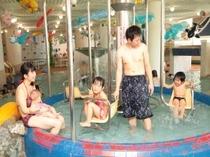 【プール】室内ブランコプール