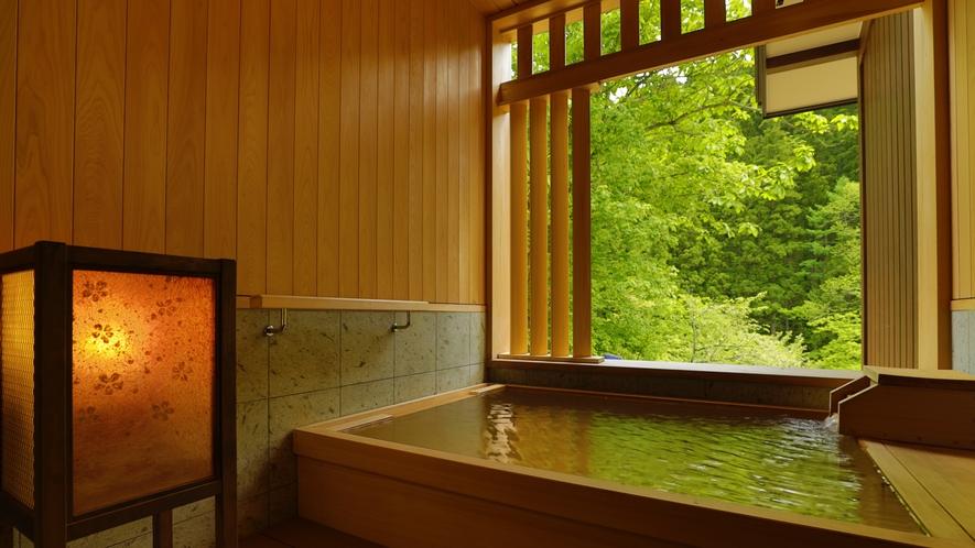 【貸切風呂】「桜雲」檜でできた風呂で木の香りを感じながら疲れを癒して。
