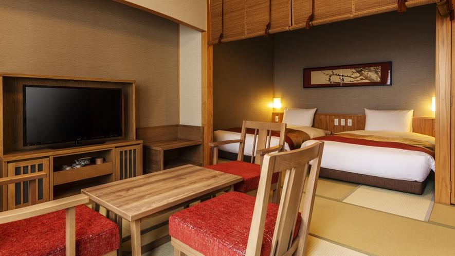 【雲の坐】和洋室。2つのベッドと畳のスペースでごゆっくりとお寛ぎいただけます。