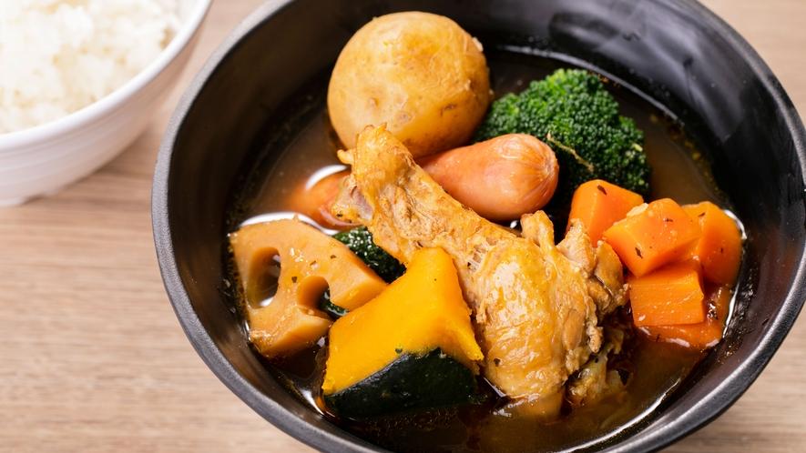 【朝食】札幌のご当地グルメ「スープカレー」もご用意(一例)