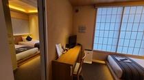 コネクティングルームは2部屋を内部の扉で行き来できる最大4名様のお部屋。スーペリアにはキッチンあり。