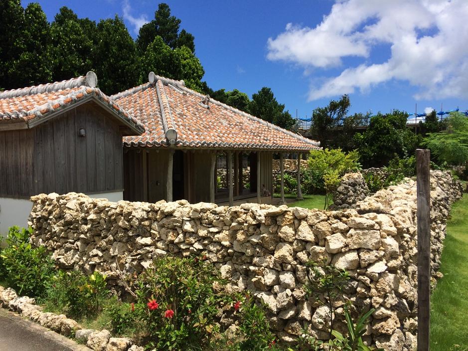 屋敷囲いの石垣