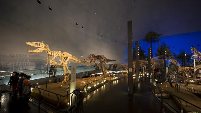 【花つばき観光プラン】〜恐竜博物館、ゆのくにの森、いしかわ動物園〜お好きな観光を花つばきとともに
