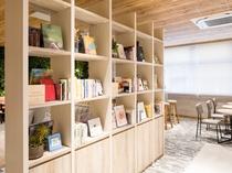【ライブラリーカフェ】名古屋に関連した写真集や本を設置しており、情報収集をしていただけます。