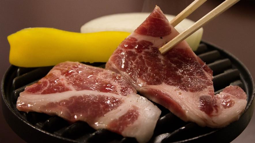 しし肉の陶板焼き一例