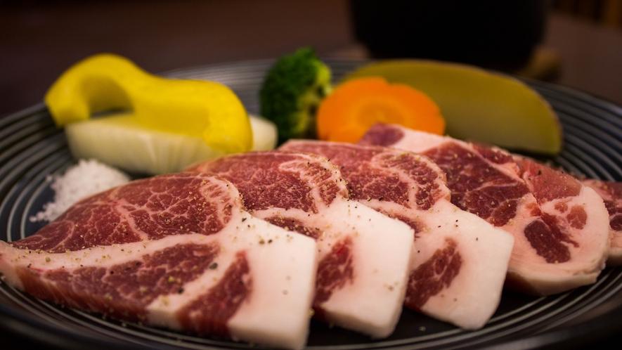 しし肉の陶板焼き