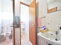 【共同】1階共同トイレ(男女共用)