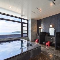 *【女湯大浴場】日本海を一望できるオーシャンビューの大浴場!