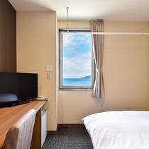 *【別館シングル一例】客室は3階にございます。お部屋から海も見えます!