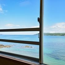 *【本館和室15畳からの眺め】当館は全室オーシャンビューです!お部屋からの景色もお楽しみください!