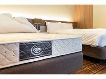 全室サータ社製高級ベッド 防音仕様の静かな部屋と高級ベッドでグッスリ熟睡できます。