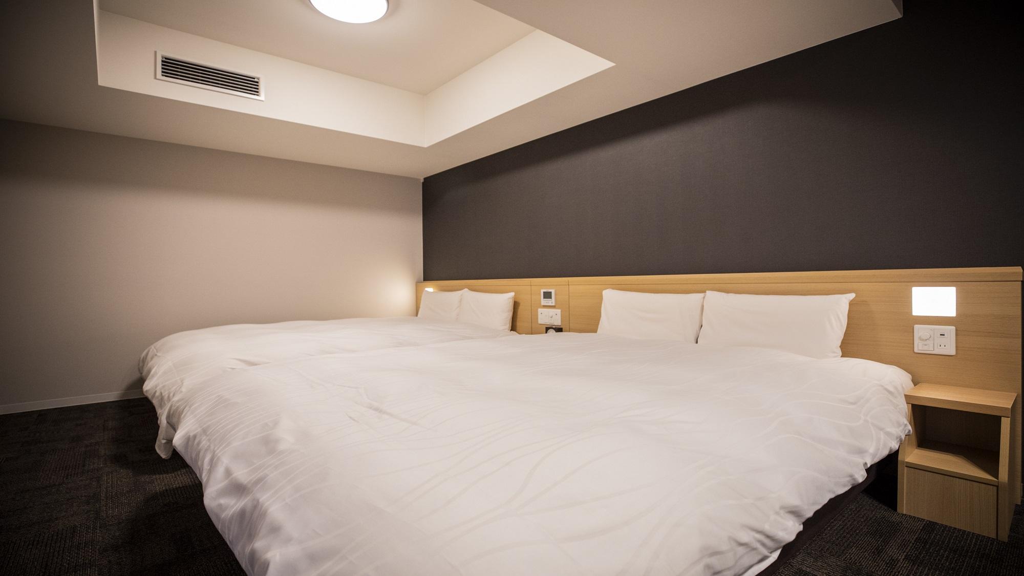 ■デラックスツインルーム【禁煙】(160x195、140x195センチのベッド各1台)約38平米