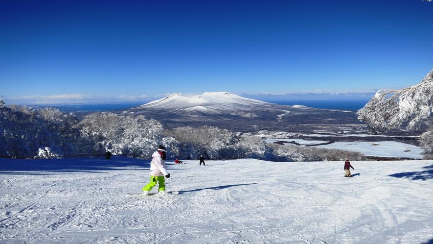 少し足を延ばせばスキー・スノーボードのアクティビティーも