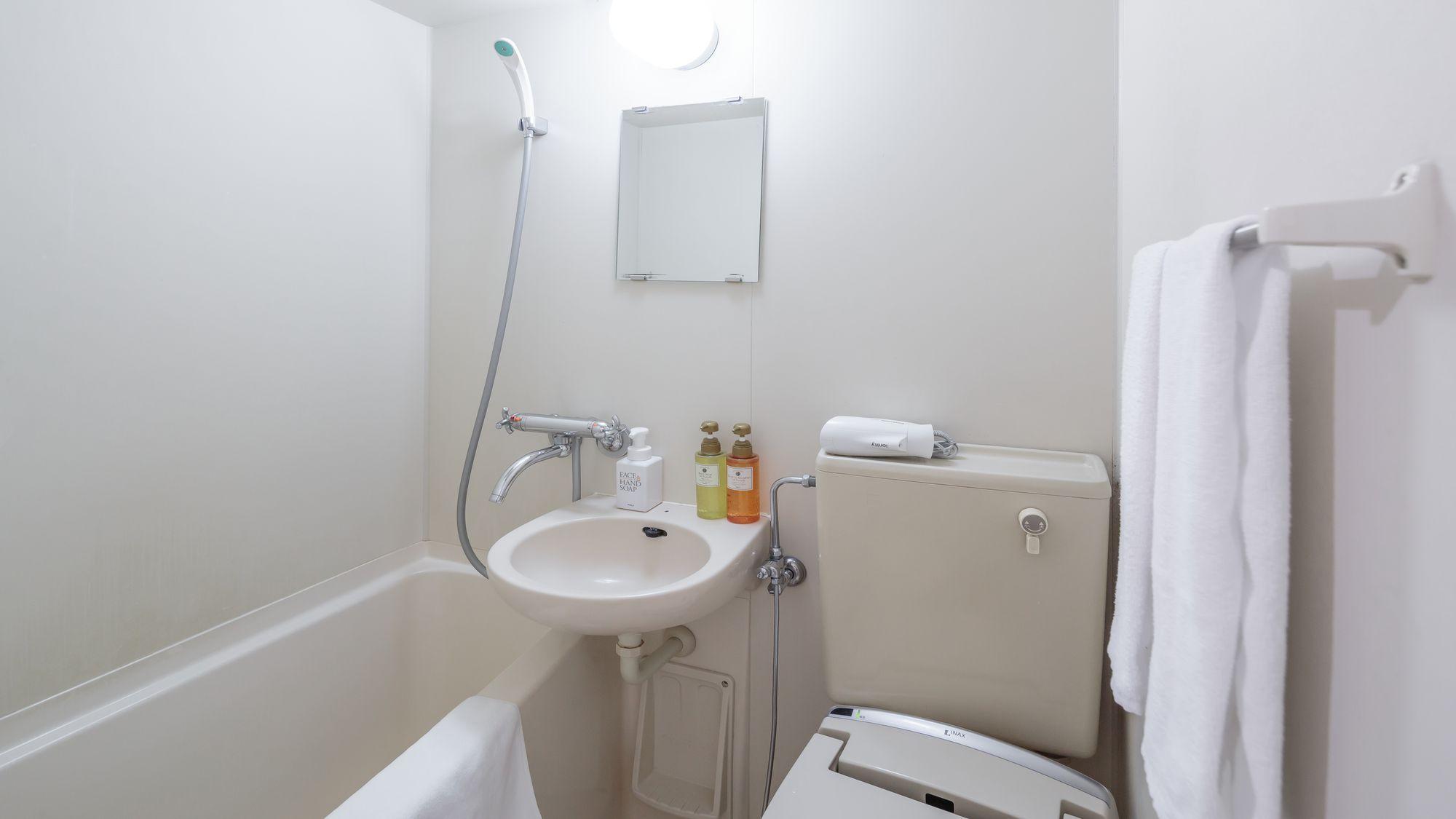 ●スタンダードセミダブル<客室内バスルーム一例>●