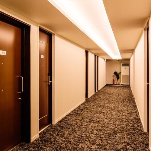 ホテル廊下(2階〜3階)