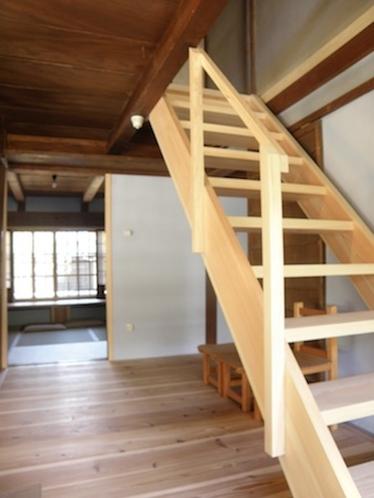 母家棟 階段