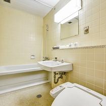 *【洋室/トイレ】洗浄器付の洋式トイレが設置されています。