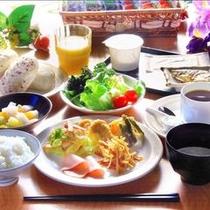【バイキング朝食】和洋様々なメニューをご用意しております。