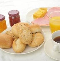 【バイキング朝食】ヨーロピアンブレッドをぜひお召し上がりください。