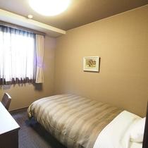 【本館】シングルルーム ベッドサイズ120×196(cm)