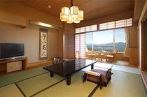 山の景色がきれいに見えるお部屋一例