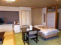 ◆エグゼクティブ(WA)【峰月(ほうげつ) ・314号室】収納式ベッド