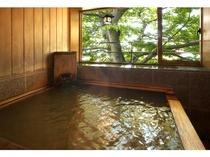 ◆エグゼクティブ【欅(けやき)・ 415号室】、【大樹(たいじゅ) ・315号室】、露天風呂(夏)