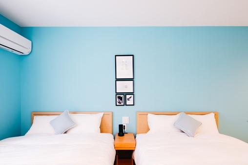 ツインルーム 140センチ幅ダブルベッド2台ソファーベッド