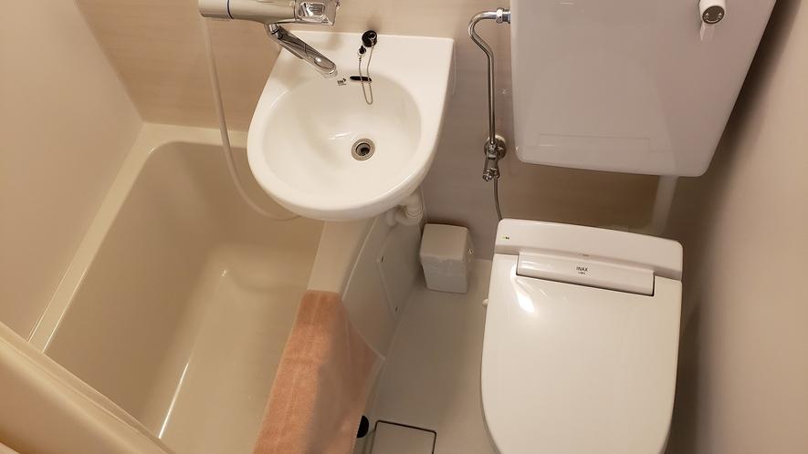 ユニット浴室内①
