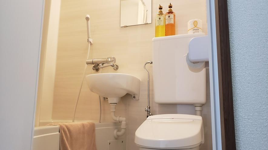 ユニット浴室内②