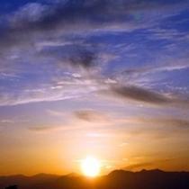 ホテルの東側のお部屋から、朝日と筑波山の風景が最高です!