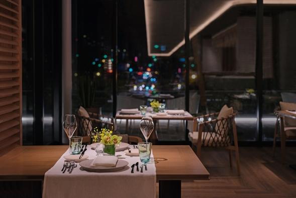 【アニバーサリープラン】記念日にレストランディナー&スイーツセット&シャンパン(朝夕食付)