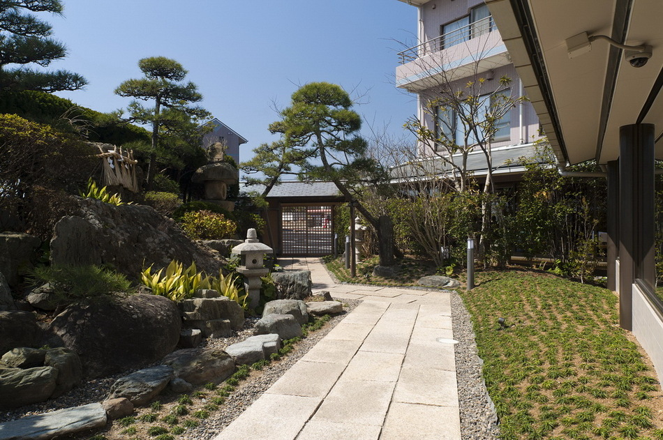 回廊からの庭園