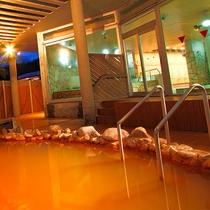 多彩な湯船で温泉を満喫できる「桂浜温泉館」