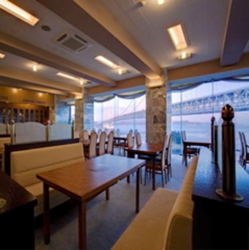 レストラン(夕景)