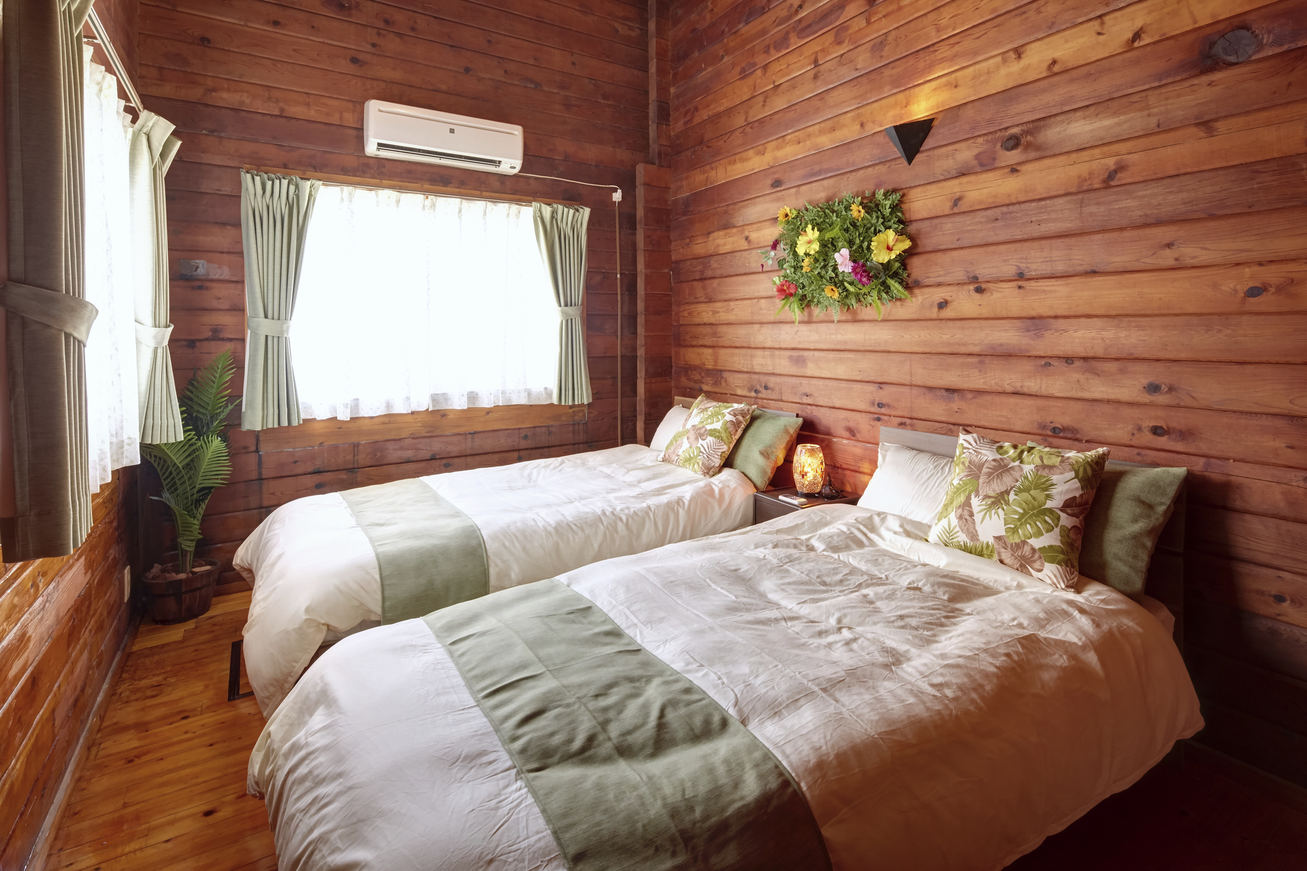 寝室 シングルベッド2台